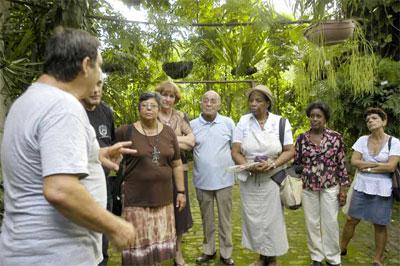La labor esducativa medioambiental con los miembros de la comunidad y los visitantes es una de las labores fundamentales del Jardín de los Helechos de Santiago de Cuba
