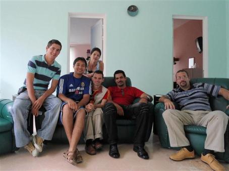 Y Con esta fotico constituimos oficialmente el grupo G-8 Plus... se sumaron dos camagüeyanos