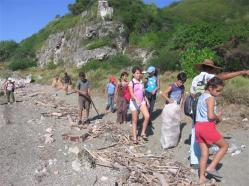 ciencia de cuba_portal de la ciencia cubana_niños y educación ambiental en cuba_limpieza de las costas de santiago de cuba (10)