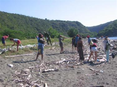 ciencia de cuba_portal de la ciencia cubana_niños y educación ambiental en cuba_limpieza de las costas de santiago de cuba (12)