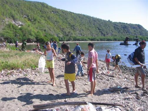ciencia de cuba_portal de la ciencia cubana_niños y educación ambiental en cuba_limpieza de las costas de santiago de cuba (22)