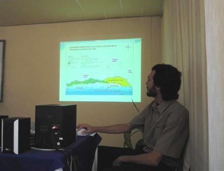 El Lic. Noel Pérez García, del Centro Nacional de Electromagnetismo Aplicado, presentó una propuesta de Concurso Estudiantil de Comunicación de la Ciencia, encaminado a incentivar en los jóvenes universitarios el interés por la divulgación del quehacer científico.
