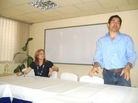 """El Dr.C. Giovanni Villalón García, especialista en comunicación del CITMA en Santiago de Cuba presentó una """"Propuesta organizacional para un enfoque integrado de la comunicación científica territorial"""""""
