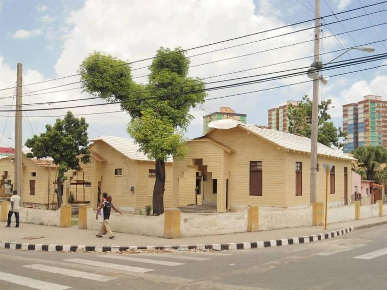 Casas de madera de clases del antiguo cuartel Moncada