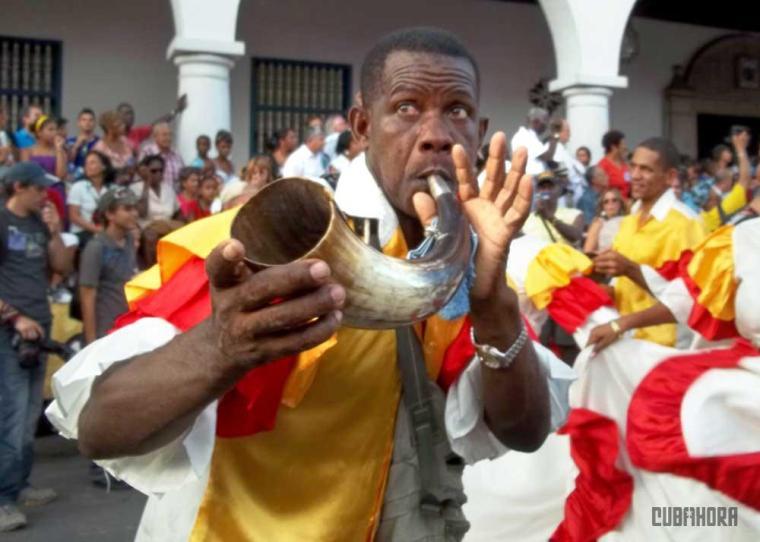desfile de las serpientes_festival del caribe_santiago de cuba (4)