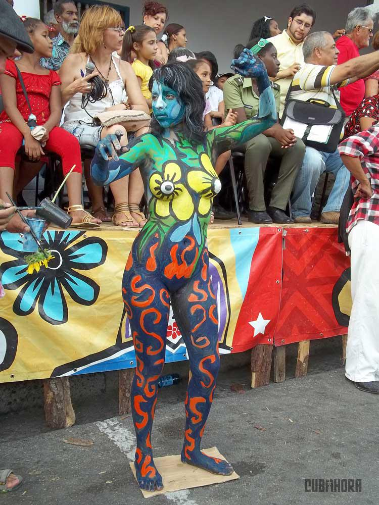 desfile de las serpientes_festival del caribe_santiago de cuba (5)