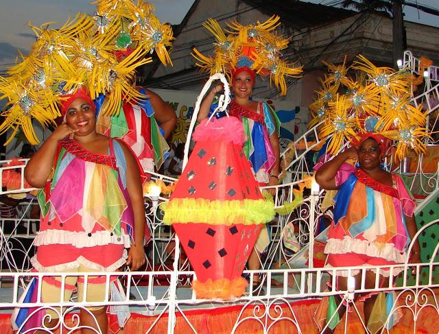 las voluminosas_carnaval de santiago de cuba