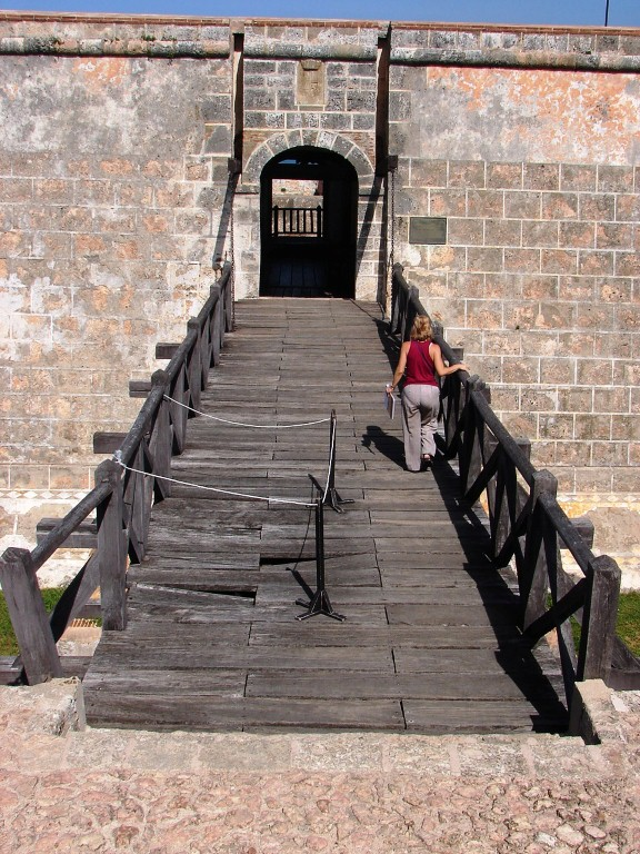 puente de la fortaleza san pedro de la roca
