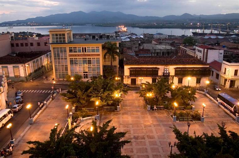Santiago-de-Cuba-vista-aérea-conservador-de-la-ciudad-rene-silveira