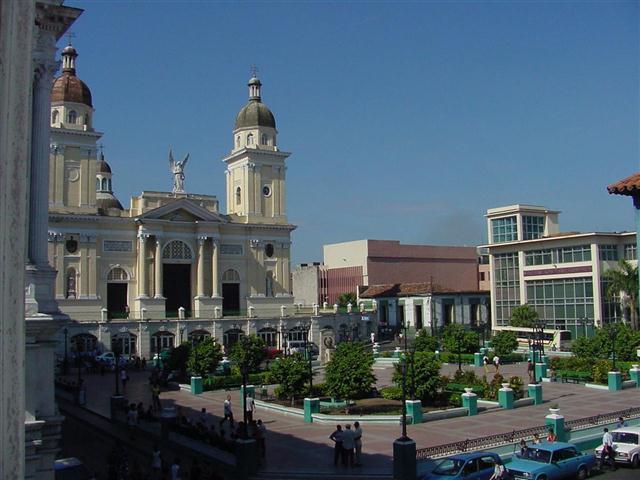 Santiago_de_Cuba_y_su_parque cespedes