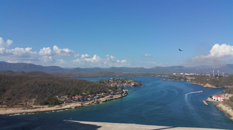 ciudad de santiago de cuba desde el morro_foto karinés rodríguez