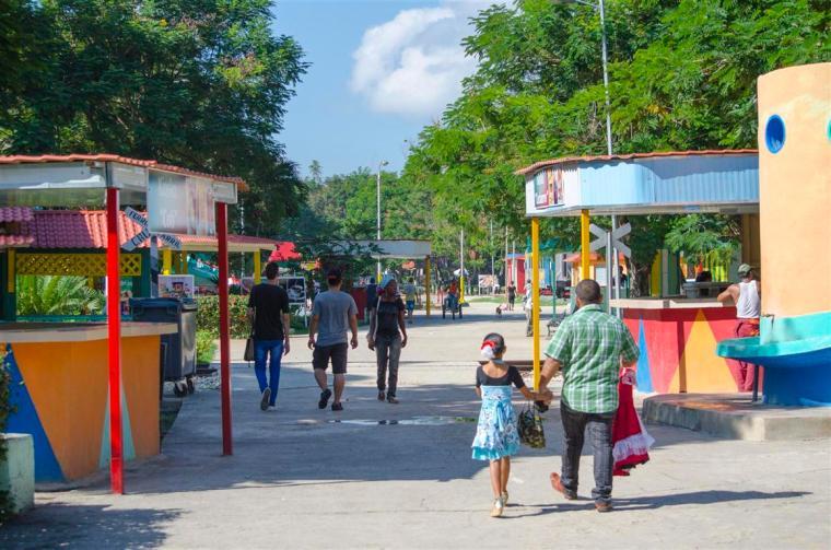 El Parque de Diversiones, de Santiago de Cuba, sigue siendo una fuente de diversión para los pequeños de la casa. Foto J. Loo Vázquez