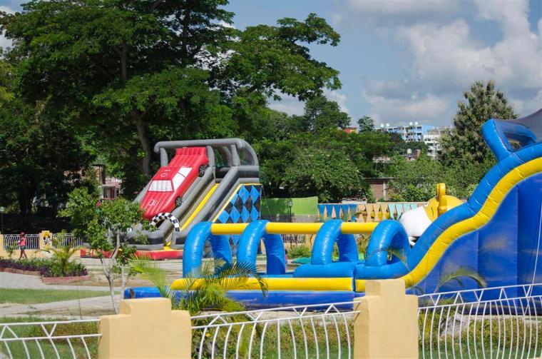 parque inflable_parque de diversiones_foto J. Loo Vazquez
