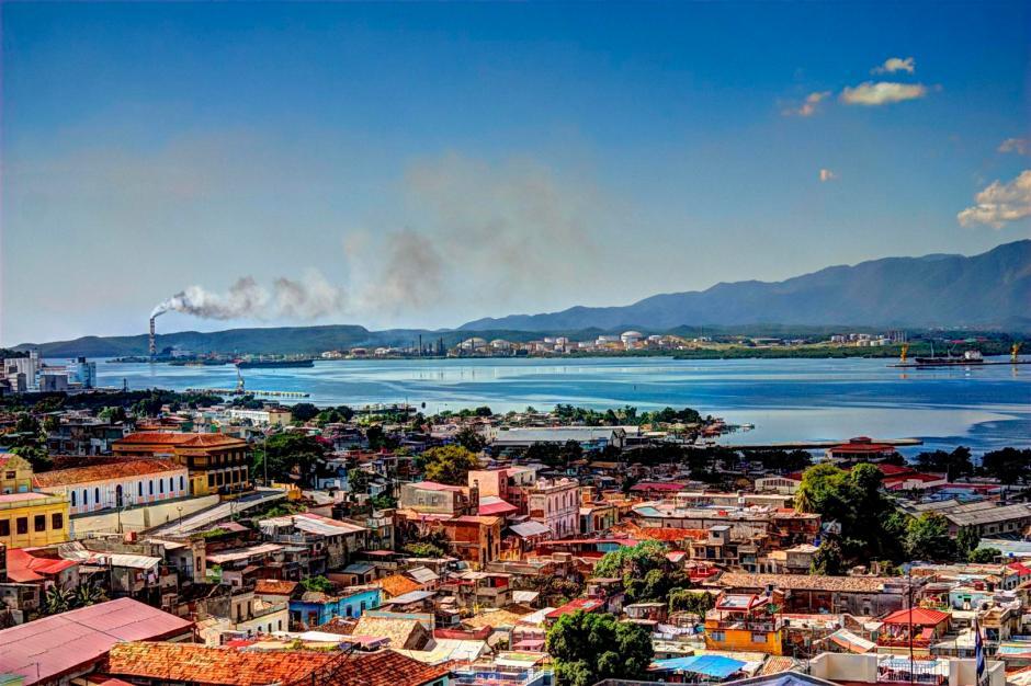 Centro histórico de Santiago de Cuba en una visión HDR. Foto J. Loo Vázquez