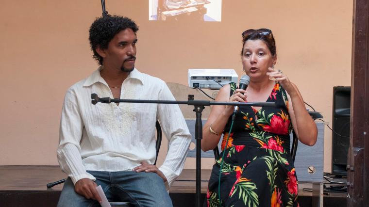 Peña Celosía, dedicada a la cultura de Santiago de Cuba, en especial a la literatura. La conduce el escritor Rodolfo Tamayo.
